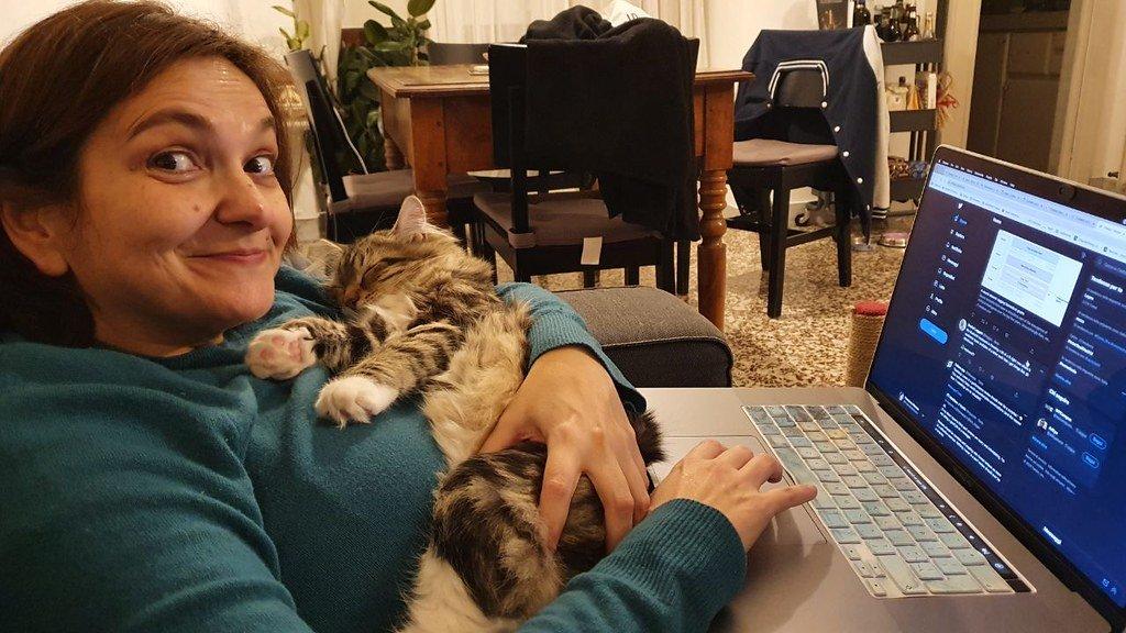 Francesca e Miki fanno i compiti di fine anno